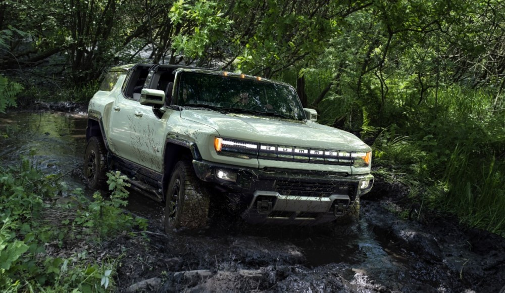 2024 GMC Hummer EV Offers Advanced Tactical and Smart Technology